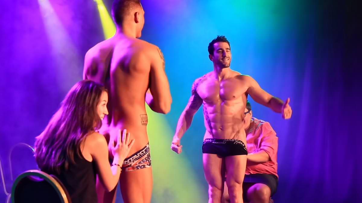 Stripteaseur à domicile Fribourg Suisse