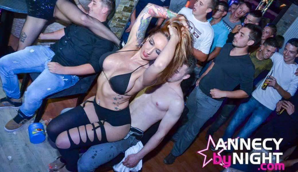 Stripteaseuse à Genève Lilou