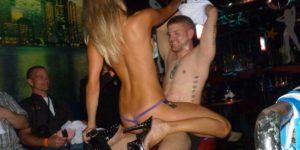 Striptease féminin à domicile Genève