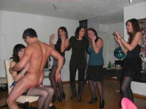 Striptease masculin à domicile Genève